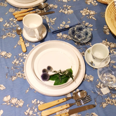 table:Blue&White