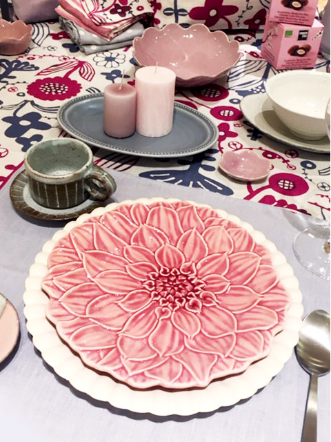 table:Pink